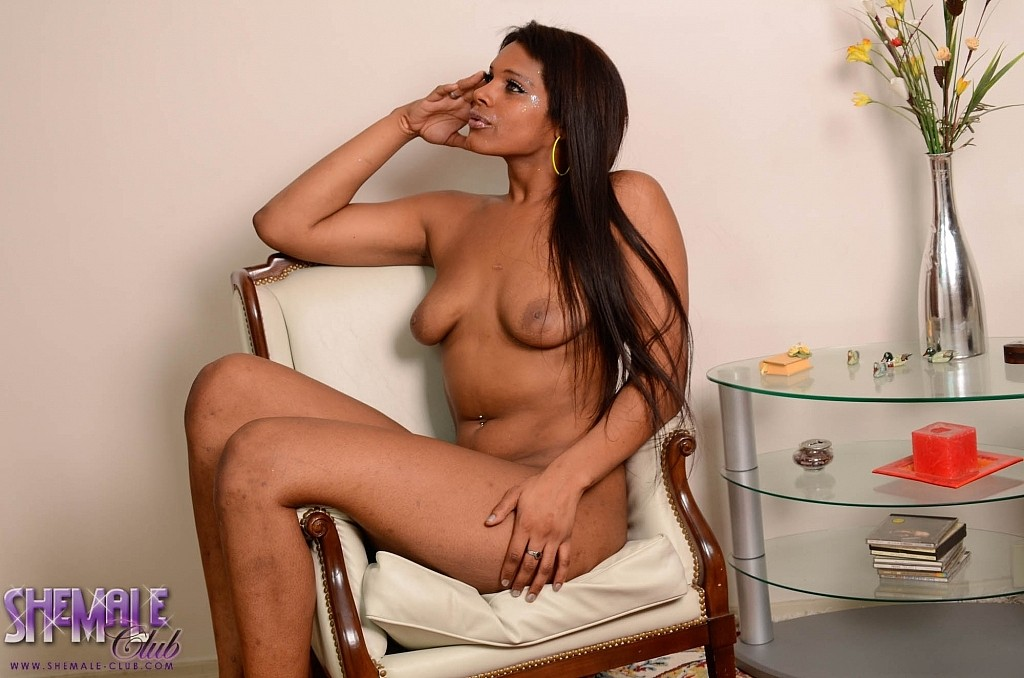 Hot riahana in lime shows off her huge jugs thick arse and rough